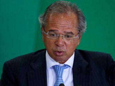 Governo propõe dar verba da Educação e Saúde para bancos
