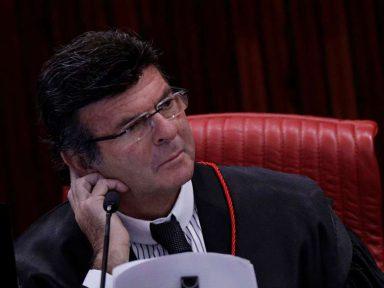 Ministro do laranjal do PSL recua e Fux homologa desistência