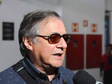 A mando de Bolsonaro, Vélez demite coronel atacado por olavistas