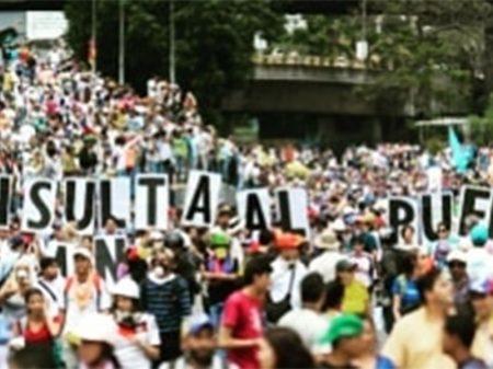 Prazo vencido pela Constituição escancara impostura da 'presidência interina' de Guaidó
