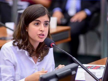 """Deputada questiona falta de projetos do MEC: """"Três meses e só lista de desejos"""""""