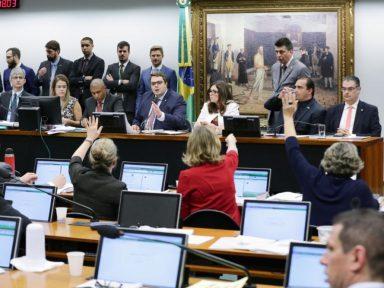 Partidos vão à Justiça contra o sigilo da reforma da Previdência