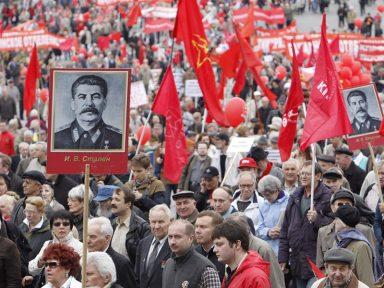 Pesquisa: 70% dos russos avaliam positivamente o papel de Stalin e 51% o  admiram