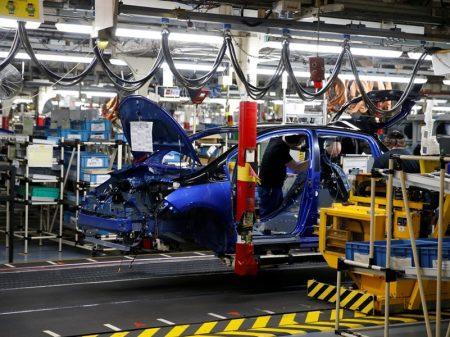 Caem emprego e produção de veículos em março