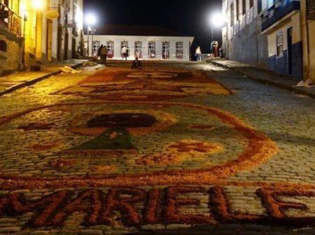 Guarda de Ouro Preto destrói tapete de Páscoa em homenagem a Marielle
