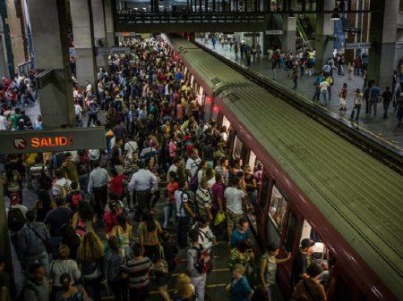 Trabalhadores denunciam descaso que põe sob grave risco o metrô de Caracas