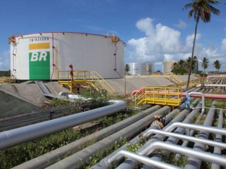 Governo muda estatuto para privatizar Petrobrás