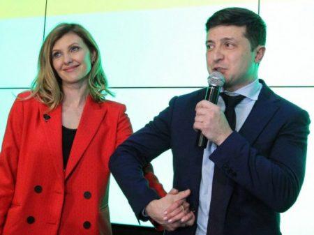 Ucrânia: comediante sai na frente contra Poroshenko no 2º turno