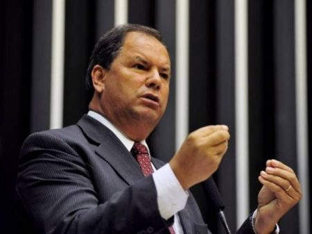 """Chega dos meninos do Bolsonaro"""