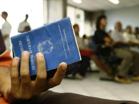 Brasil perde 43 mil vagas de trabalho formal