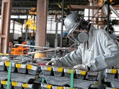 SP: cai à metade criação de emprego na indústria