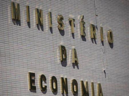 Guedes oferece sala no ministério para lobistas