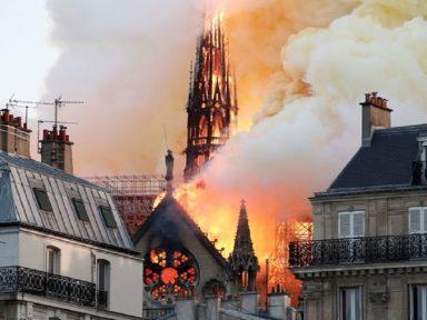 Notre-Dame: bombeiros se arriscaram e salvaram  estrutura e relíquias da catedral