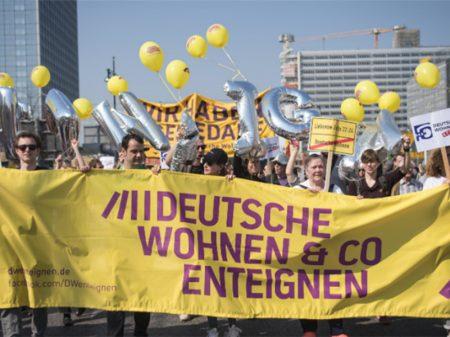 Repúdio à exorbitância dos aluguéis toma as ruas de Berlim e Barcelona