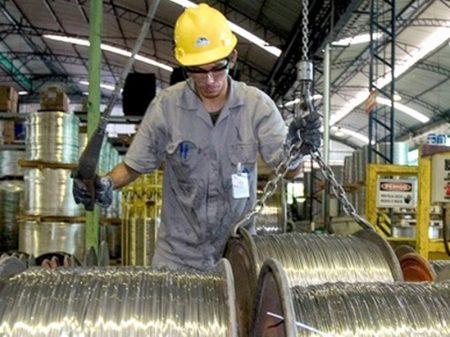 IBGE: produção industrial paulista segue parada