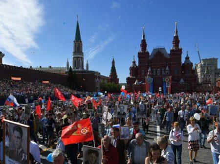 Milhões na Rússia e outros países celebram a derrota do nazismo