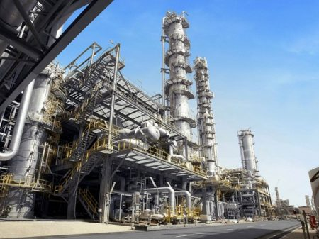 Produção industrial desaba 6,1% em março