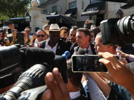 Candidato a prefeito de Dallas anuncia protesto contra Bolsonaro