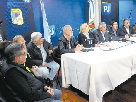 Forças peronistas buscam unidade rumo às urnas em outubro