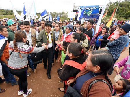 """Evo: """"a disputa na Bolívia será entre o bloco da soberania e o pró-imperialista"""""""