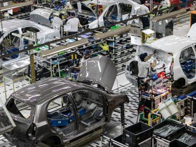Toyota anuncia 340 demissões e corte de benefícios em SP