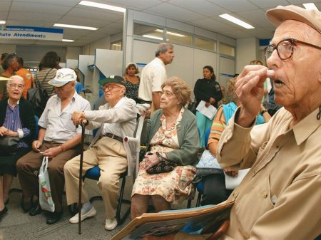 Bancos de olho nos imóveis dos aposentados