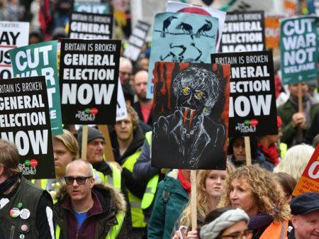 Com renúncia de Theresa May, oposicionistas exigem eleições gerais já