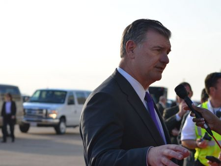 Prefeito de Dallas recua e diz que não dará boas-vindas a Bolsonaro