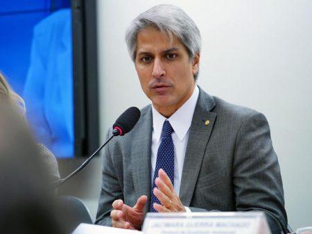 Molon apresenta PDL para barrar decreto de Bolsonaro contra as universidades