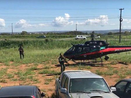 Tio da mulher de Bolsonaro é preso por participar de milícia