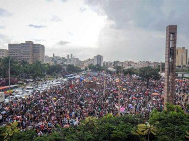 Mais de um milhão nas ruas de todo o país contra o bloqueio da Educação; veja imagens: