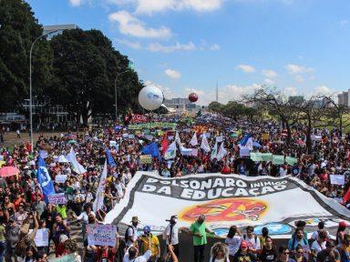 """""""Sem nossa reação, o governo manterá os cortes"""", alertam estudantes"""