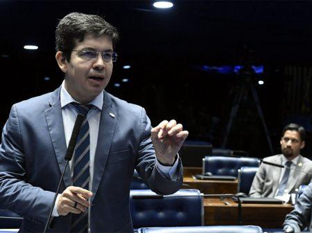 "Randolfe: ""acordo Bolsonaro e PT impediu Coaf com Moro"""