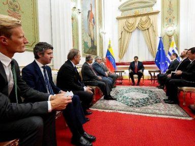 Grupo de mediadores europeus é recebido pelo governo venezuelano