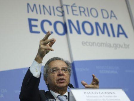 Bolsonaro põe economia de marcha à ré