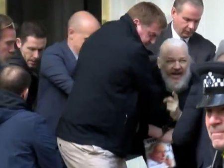 """Assange: """"A verdade é tudo o que temos; conto com as pessoas de bom caráter"""""""