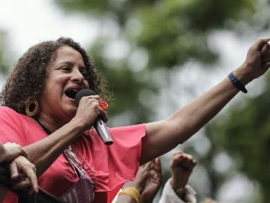 """Luciana Santos: """"fortalecer as mobilizações e a frente democrática"""""""