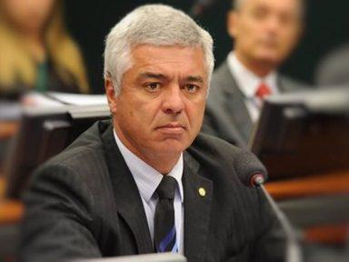 """Senador diz que Bolsonaro deu """"tiro no próprio pé"""" ao defender Coaf com Guedes"""