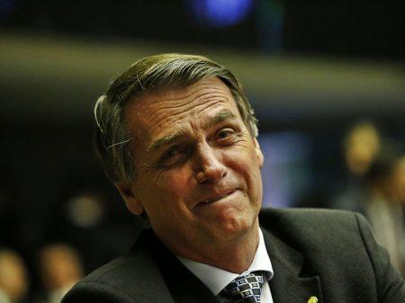 Bolsonaro usa o Kunda para mostrar apoio