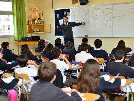 Chile: professores rechaçam retirada de História da grade do ensino médio