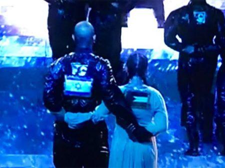 Madonna leva bandeira palestina ao palco do Festival Eurovisão, em Tel Aviv