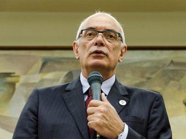 Reitor da UFRGS repudia obscurantismo do governo contra as Ciências Humanas