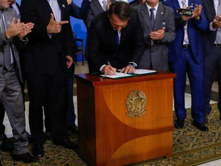 Novos decretos das armas de Bolsonaro são inconstitucionais, diz o MPF