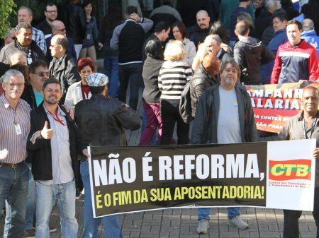 Capitalização naufraga: avança a pressão  popular contra Reforma  da Previdência