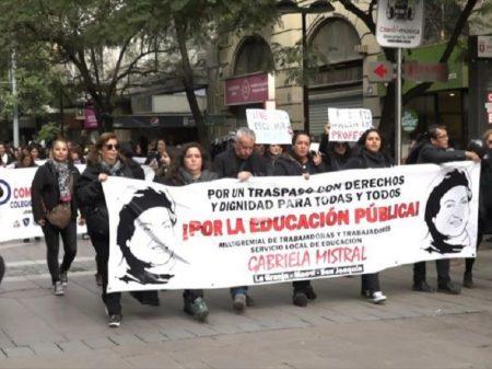 Professores chilenos param em defesa da educação pública