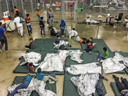 O momento de abolir as prisões de crianças imigrantes é agora