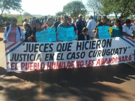 Paraguaios solidarizam-se com juiz que garantiu justiça em Curuguaty