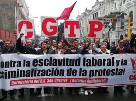 Trabalhadores peruanos fazem greve geral contra ataque a seus direitos
