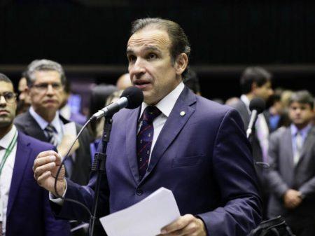 """Deputado do PSD diz que Weintraub é """"desastroso"""""""