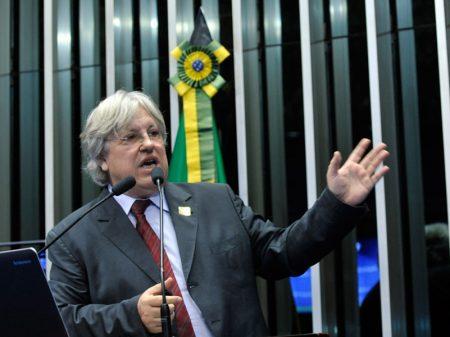 """""""Guedes não entende nada de gás natural e quer vender tudo"""", denuncia Ildo Sauer"""